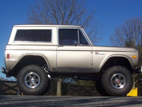 Top Notch 1977 Ford Bronco Classic Fully Restored Lifted for sale