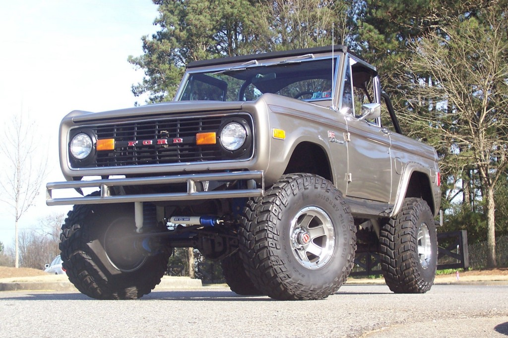 Top Notch 1977 Ford Bronco Classic Fully Restored Lifted ...