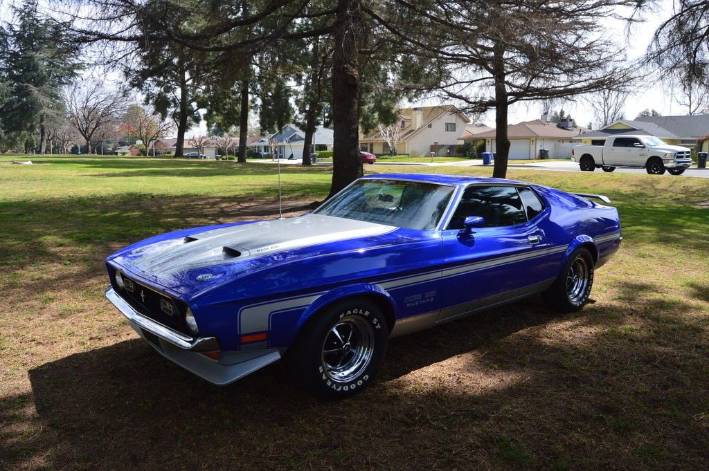 BEAUTIFUL 1971 Ford Mustang