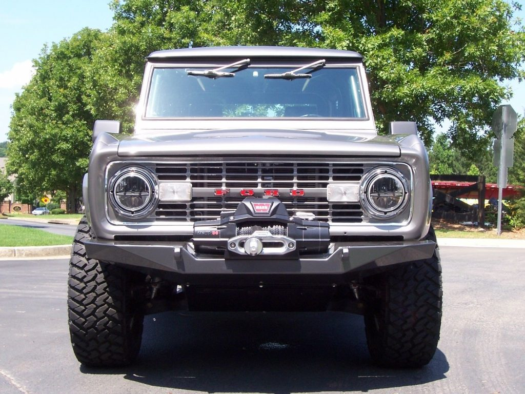 EXTRAORDINARY 1976 Ford Bronco Explorer Custom