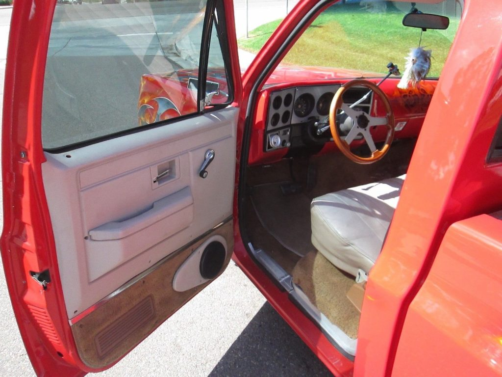 1974 Chevy C-10 show truck
